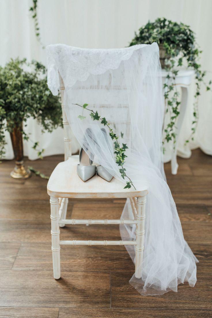 Каждая невеста тщательно подбирает белье, туфли аксессуары на свою свадьбу. Запечатлеть  эти маленькие детали нужно также красиво, ведь важно оставить в памяти как можно больше счастливых моментов! Тел.: +375 (29) 618-80-80 Татьяна +375 (29) 618-70-70 Любовь #royalhallby  Организатор @natsli_zhukovskaya0102 Декоратор @vikagermandecor Фотограф @marinavrora Координаторы: @irina_pervushina, @kris_katsapova Информационный партнер @vinokurova_31