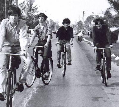 A bicicletada dos Beatles                                                                                                                                                                                 Mais