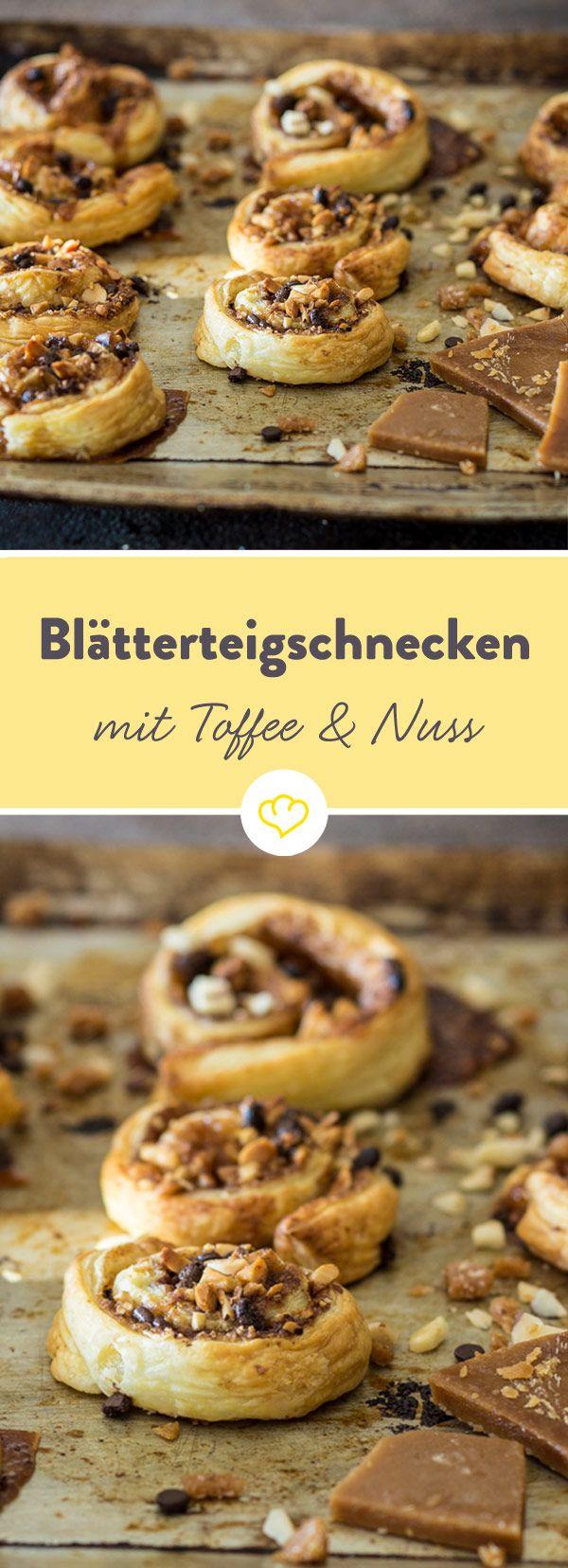 In der fix gebackenen Leckerei machen sich Toffee, Nüsse und Schokolade in buttrig-blättrigem Teig gemütlich. 08/15-Cookies sehen da blass aus.