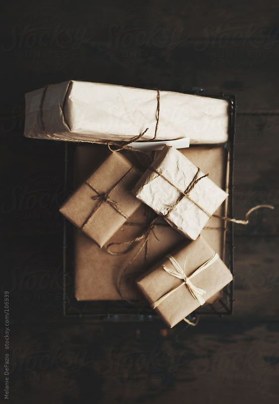 Brown papers. Natural paper. Twine and raffia gift wrap.