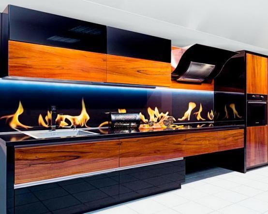 Почитатели современного модерна оценят оригинальность дизайна кухни Серафим выполненной из высокопрочного пластика http://www.mebel-zevs.ru/kukhni/kuhnja-serafim