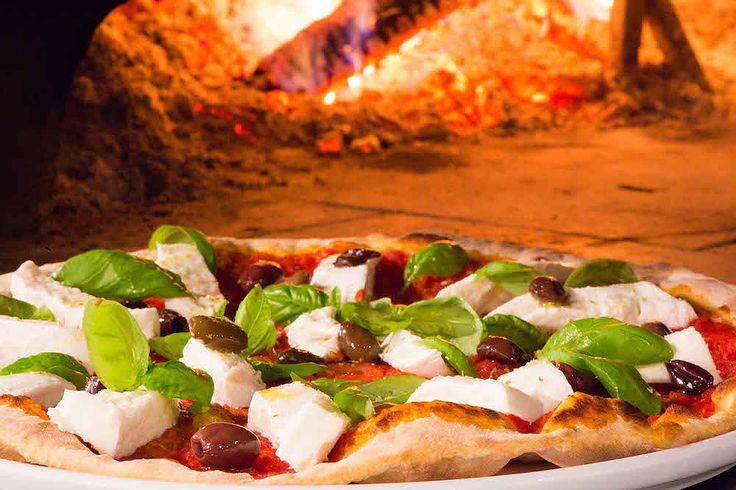 Ristorante Pizzeria Le Specialità a Milano: menu di livello e oltre 50 varietà di pizze nel forno a legna, con ampia selezione per intolleranti al glutine.