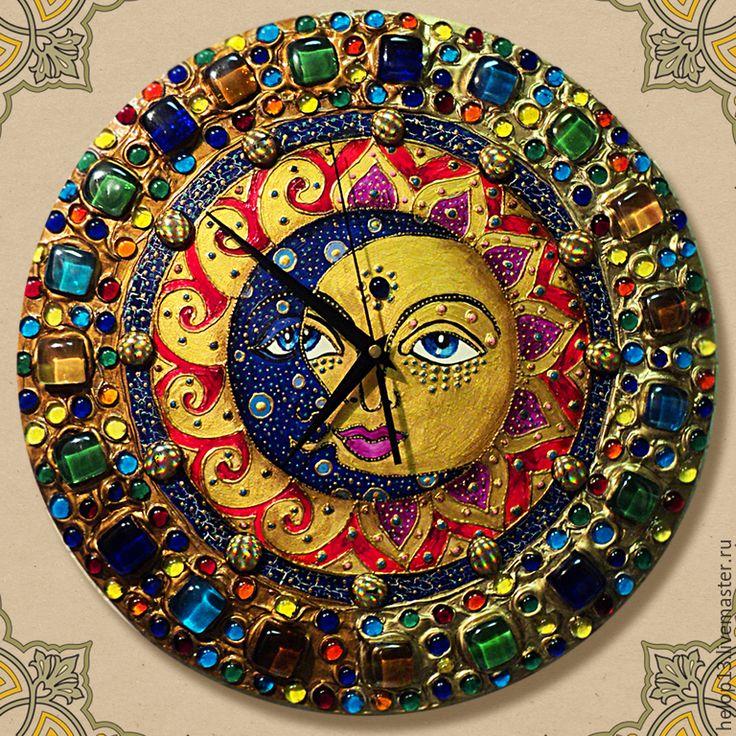"""Купить Часы """"День и Ночь"""" ( в золотом обрамлении) - разноцветный, часы настенные, солнце и луна"""