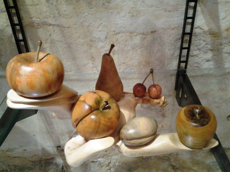 #composizione #legno #ulivo #mele #pere #frutta #centrotavola
