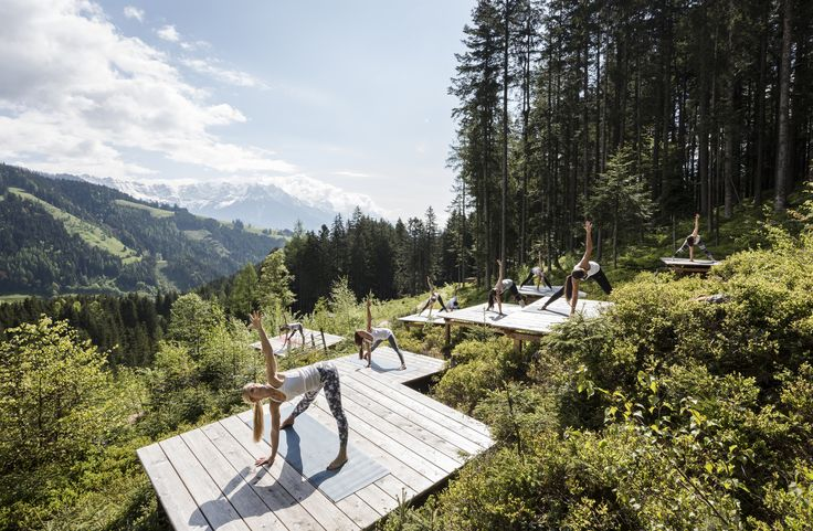 >> NAMASTÈ << #Yoga auf unseren Plattformen inmitten der Natur - mehr Entspannung geht nicht! More Details: www.mama-thresl.com oder www.facebook.com/mamathresl