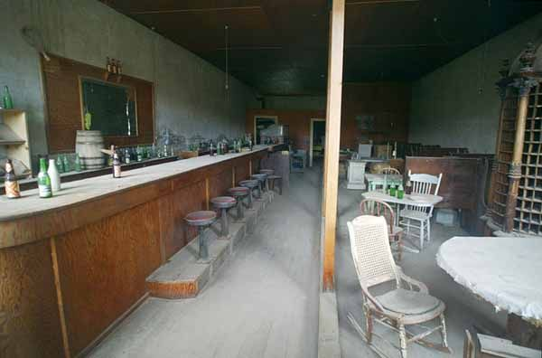 Bodie, California. Abandoned town.: Haunted Photo, Abandoned Town, Abandoned Ghosts, Abandoned Things, Abandoned Canada, Ghosts Town, Beer Bottle, Abandoned Place, Body California