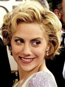 Brittany Murphy medium curls hairstyle http://zntent.com/brittany-murphy-medium-curls-hairstyle/