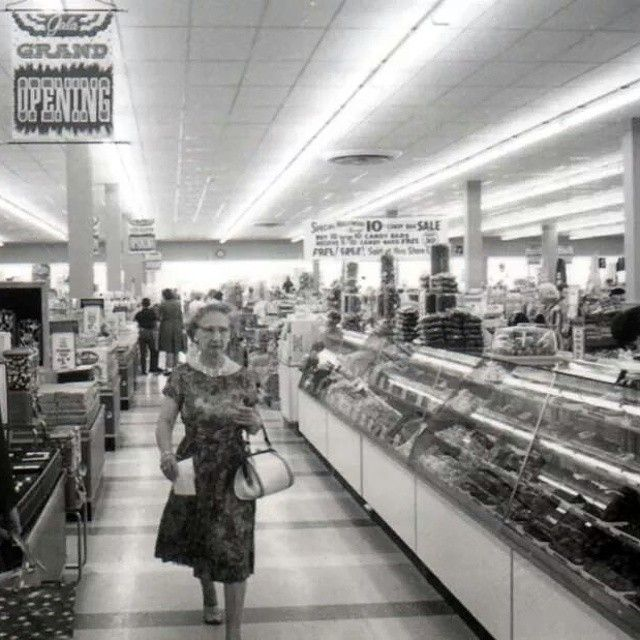 Kroger's opening day in 1965 | The Art of Shopping ...