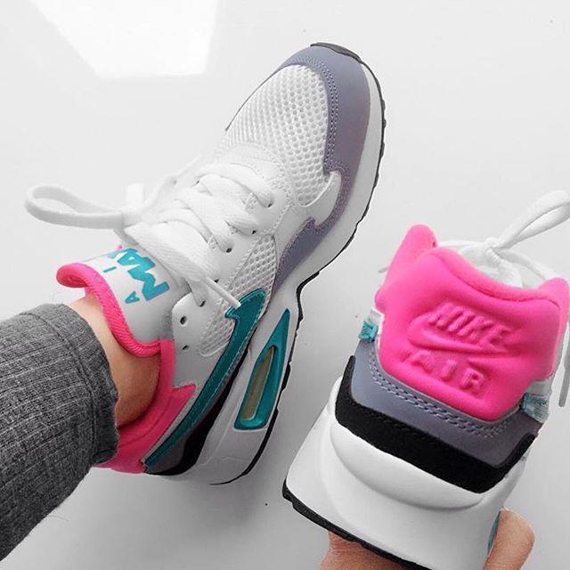 Sneakers femme - Nike Air Max ST - @m.e.r.ce.d.e.z