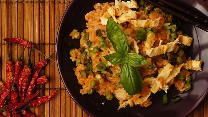 Jasmínová rýže s krevetami a bazalkou.