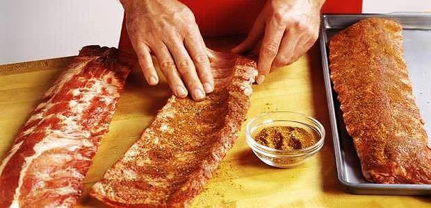 Como Temperar Carne de Porco e Costela de Porco