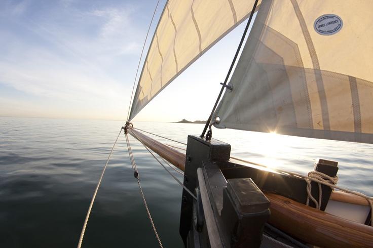 Olga the pilot cutter sets sail on Swansea Bay (Swansea Museum)
