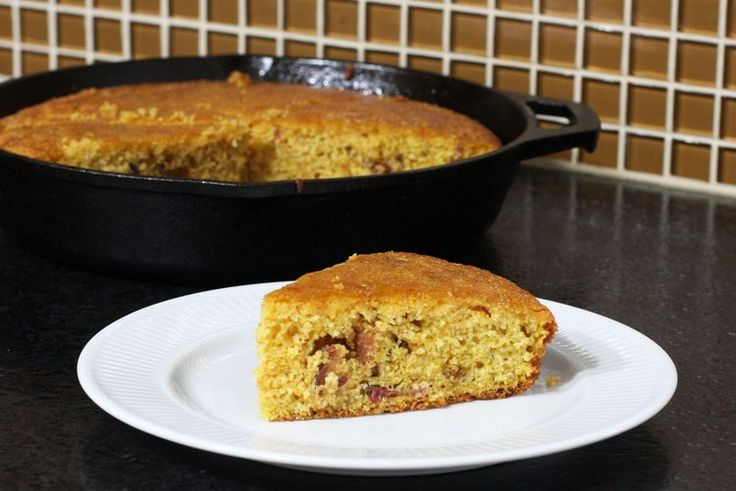 How To Make This Delicious Maple and Bacon Cornbread