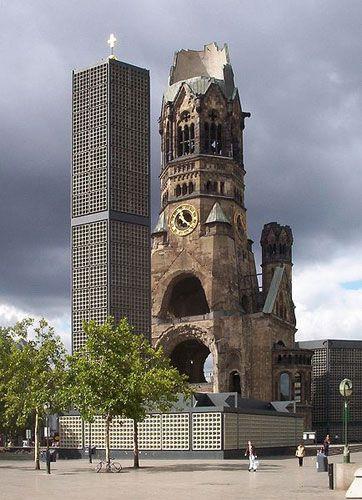 Kaiser-Wilhelm Memorial Church, Gedächtniskirche, Berlin Church. The Gedächtniskirche was badly damaged in a bombing raid in 1943.