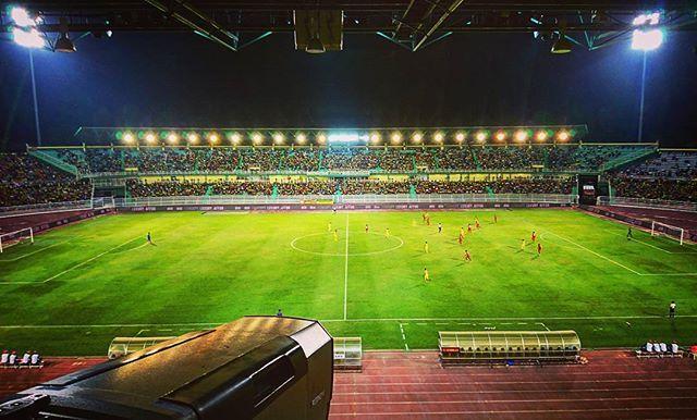 Kedah vs Negeri Sembilan  Best view in the house.  #kedahfa #kedah #stadium #kedahdarulaman #pialamalaysia2018 #pialafa #n9 #negeri #malaysia #footballmalaysia #football #uk09 #stadium #travel #vloggers #vlog #youtube #travelblogger #drones