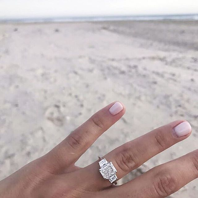 • YES • Boys take note, we love an emerald cut • @culetjewellery we are in love •  #jewellery #bling #engagement #engagementring #engaged #bride #groom #fiancé #wedding #fashion #diamond #diamondring  #Regram via @onedaybridal