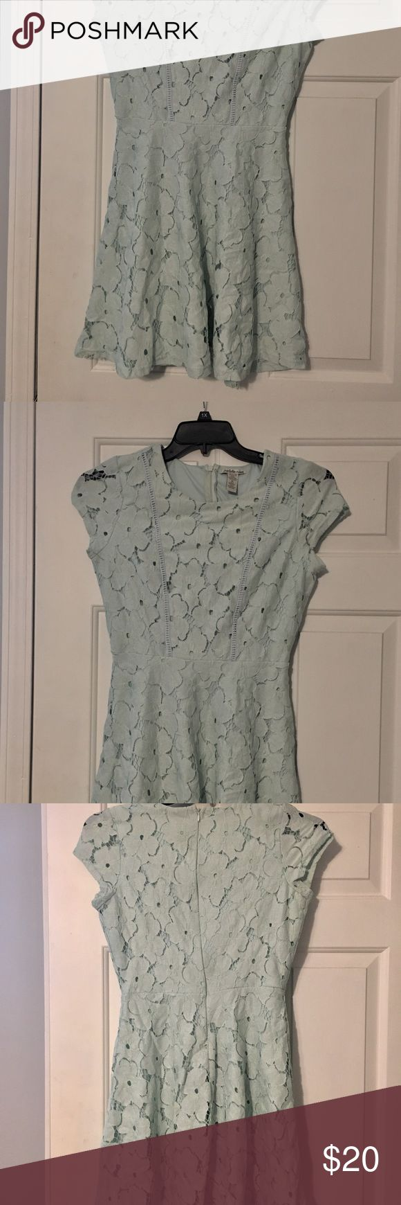 Pastel mint Charolette Rouse Dress Cotton overlay floral l, fully lined. Size Junior Medium. Worn twice. Once for Easter , next for a wedding. Excellent condition. Charlotte Russe Dresses Midi