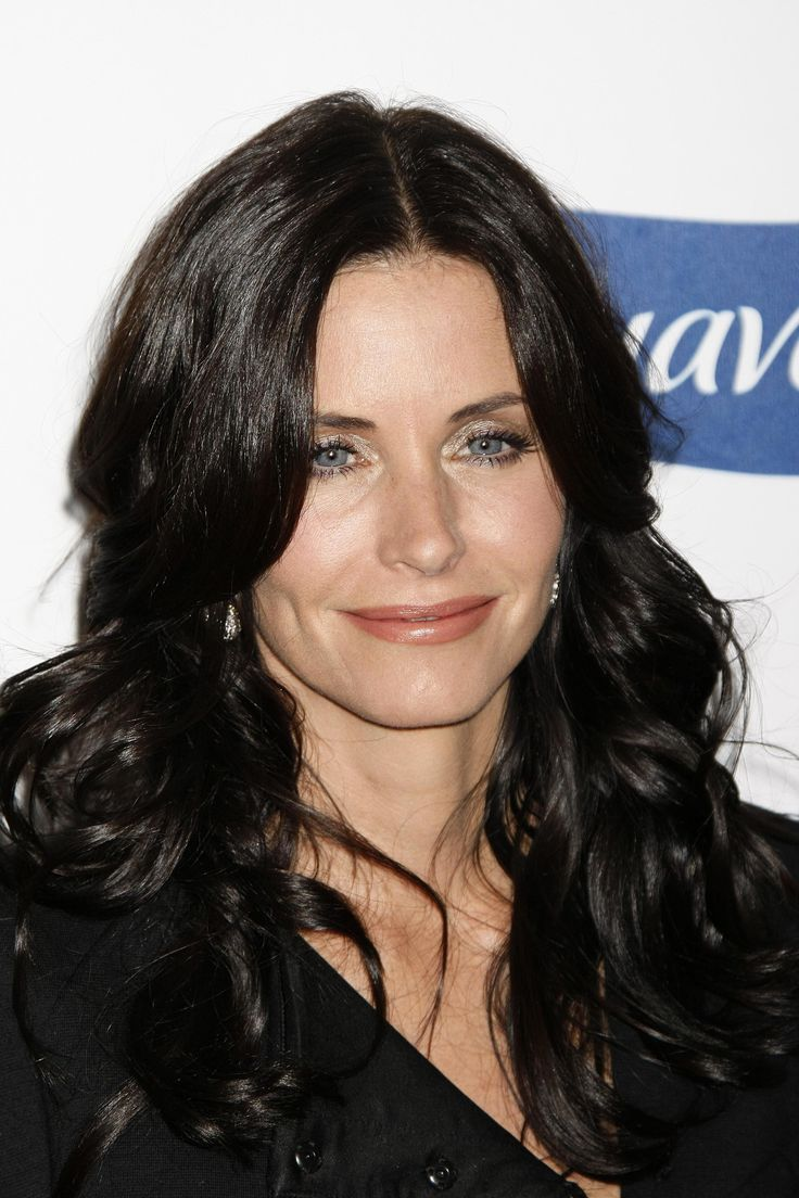 aAfkjfp01fo1i-14071/loc668/23191_Courteney_Cox_arrives_at_Glamour_Reel_Moments-011_122_668lo.jpg