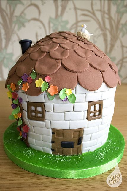 Cottage birthday cake