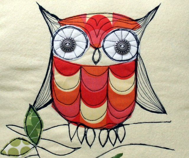 i don't think i have the patience or dexterity for the quilting involved, but how cute would this be on a quilt or pillow?: Owl Free, Peeps Fabrics, House Castles, Owl Pillows In, Stitches Pillows, Maureencracknel, Lizzie House, Owl Stitches, Castles Peeps