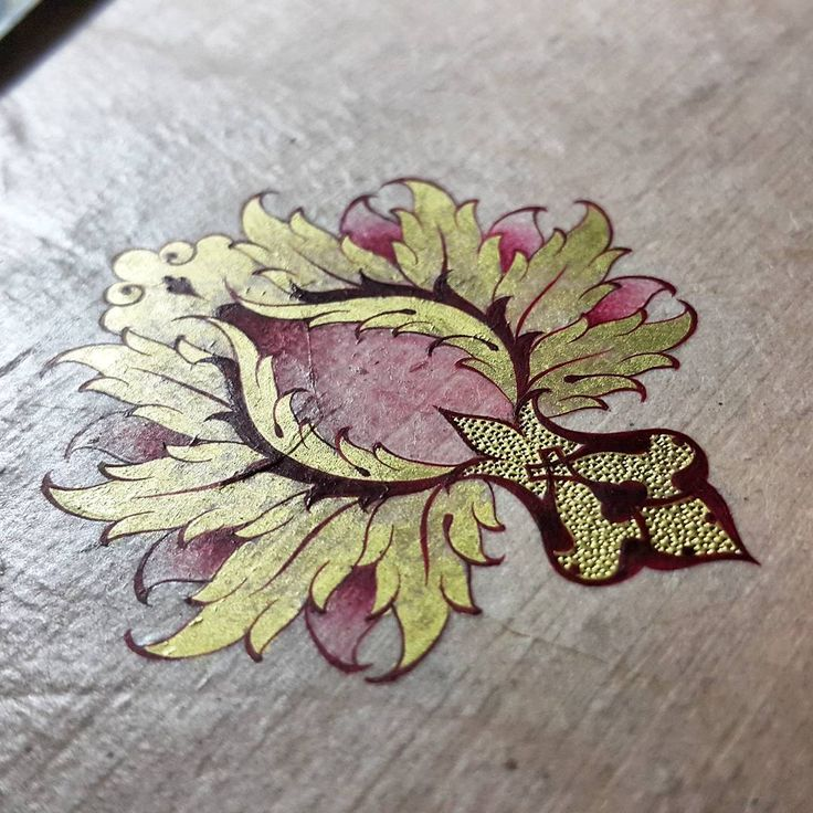 """Yeni desen-yeni hatayim #myflower #mywork #newwork #newflower #artwork #halkar #detail #mydesign #deneme #orjinal #handmade #islamicart #tazhib…"""