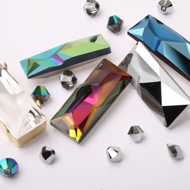 «Рассказываю по большому секрету и по большой дружбе: завтра (в понедельник) в 10 по Москве в Greenbird.ru снова появятся кристаллы-капуты авторства Готье.…»