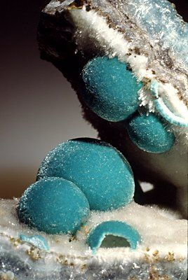 Aurichalcite: a mineral said to route new pathways in the brain. Use on 3rd Eye Chakra for Meditation..