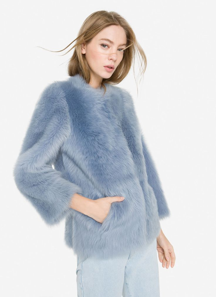 Short reversible fur coat - View all - New in - Uterqüe Spain