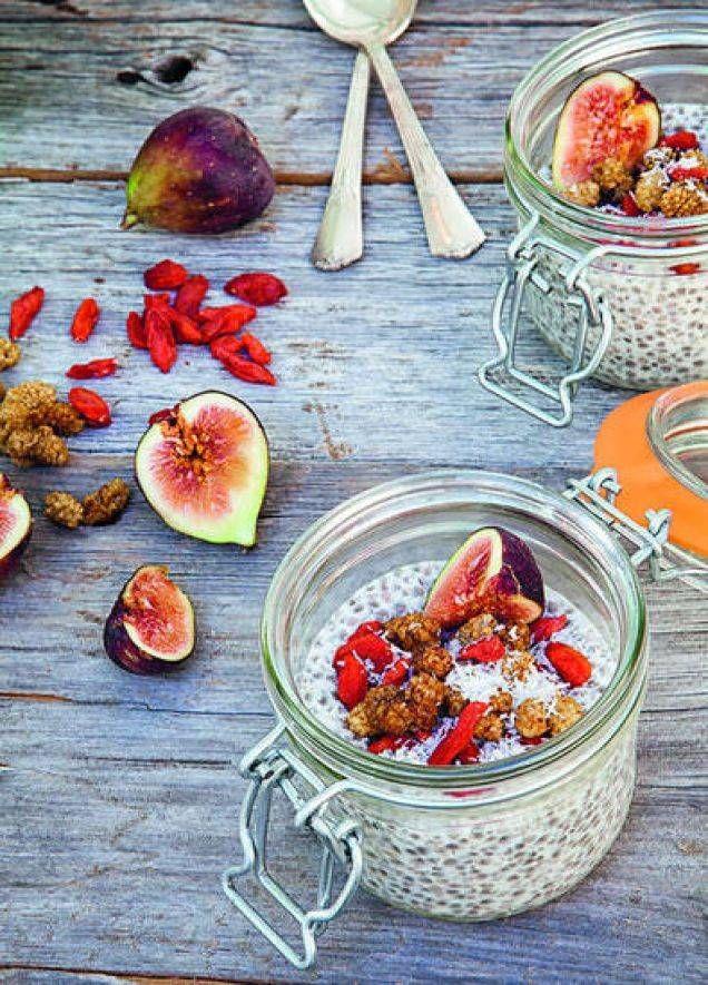 Chiafrö är en stor favorit och chiapudding likaså. Testa det här goda receptet toppat med gojibär, fikon och mullbär. Läs också: 8 goda recept på chiagröt och goda mellanmål med chiafrö Läs också: Så gör du smarrig smoothie med chiafrö och granatäpple
