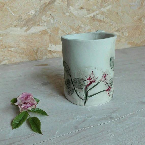 Guarda questo articolo nel mio negozio Etsy https://www.etsy.com/it/listing/536830499/botanical-mug-rosewhite-gres