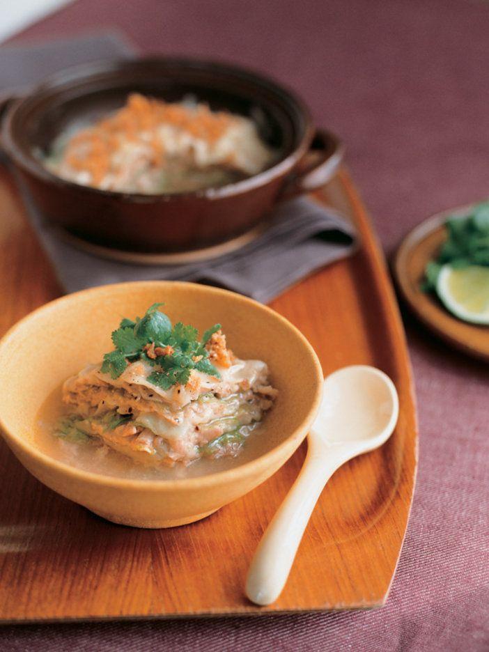 豚肉の旨みがレタスとワンタンにしみ込み、大満足な味わいで食べごたえも充分|『ELLE a table』はおしゃれで簡単なレシピが満載!