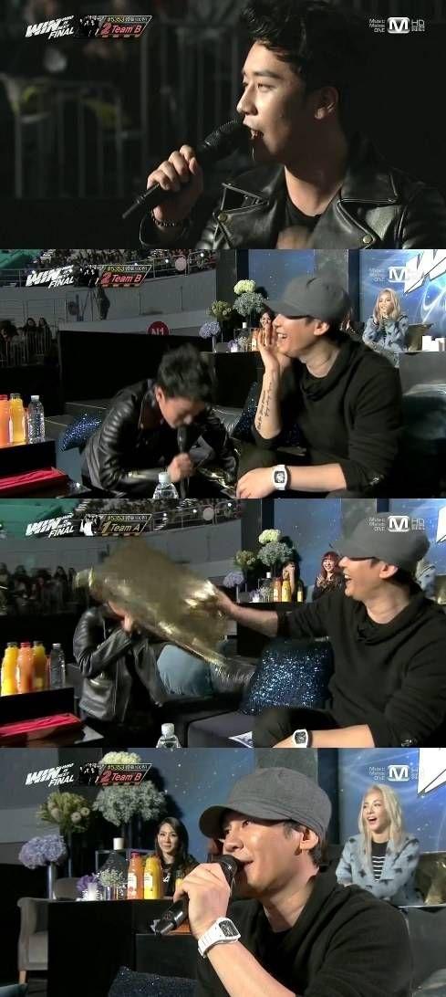 Seungri jokingly kneels before Yang Hyun Suk and begs for both teams to debut | allkpop.com
