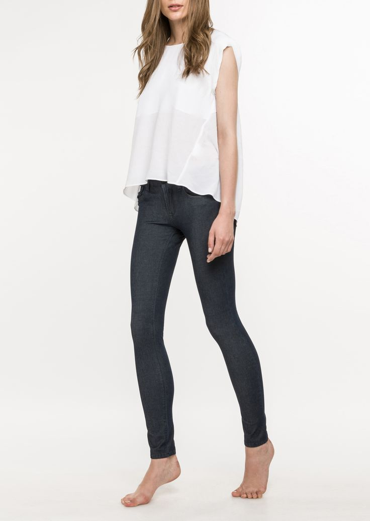 JEANS HYPERSKIN LUZ: Regular 5 pocket skinny jeans. Cotton, Bi-elastic super light denim. Wash: blue shade.