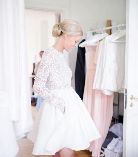 Wedding day! Instagram/annaorneblad Wearing Rime Arodaky wedding dress. Photo: @Rebeckawphotography