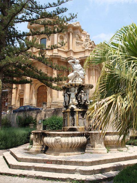 Piazza XVI Maggio, Noto, Sicily, Italy