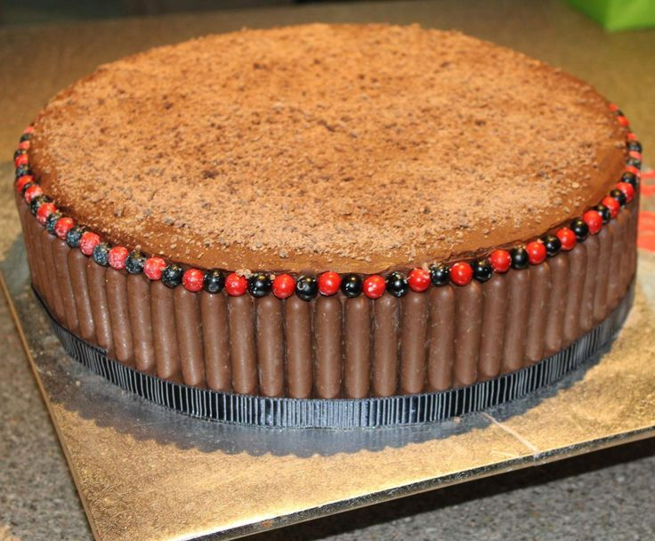 Recipe Easy Chocolate Cake by niroby78 - Recipe of category Baking - sweet