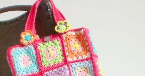 De tassen; groot en klein: Hier volgt een eenvoudige beschrijving hoe je de tassen zelf kunt maken.   Patroon tekening :  Granny square.  V...