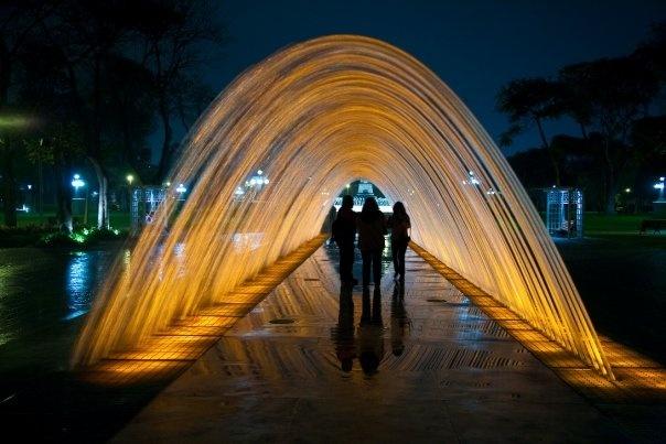 Water Fountain Park, Lima, Perú.  Fuente del Túnel de las Sorpresas (Tunnel of Surprise Fountain): It's 35m long and you can walk all the way through it.