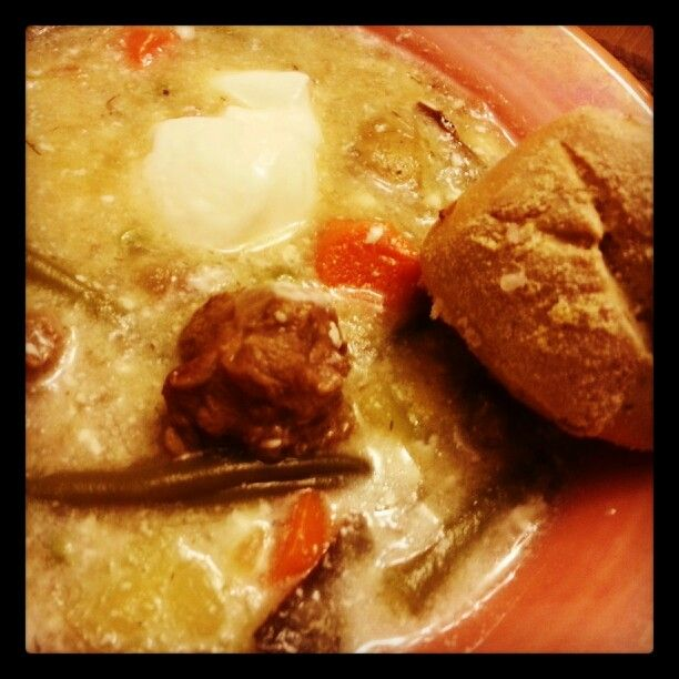 Lamb stew with homemade dill bread
