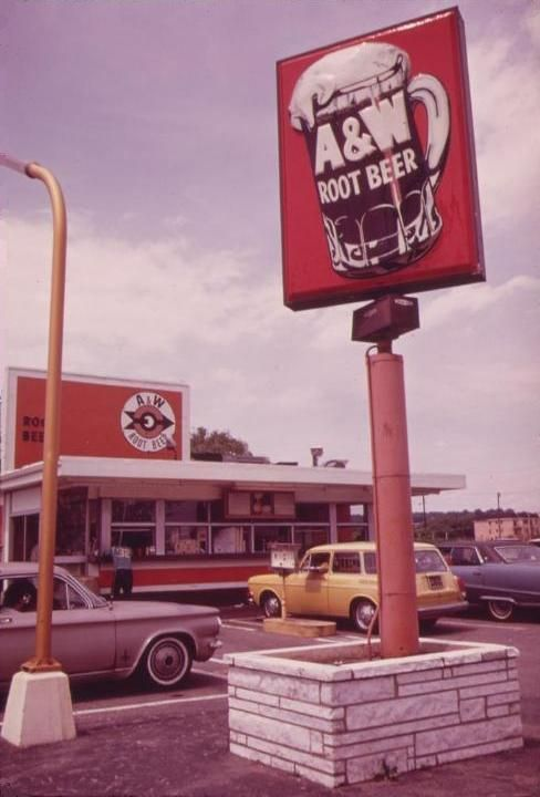 Mmmmm.... Root Beer in a frosty mug. The Papa, Mama and Baby Burgers.  Your tray hung over the driver's side window.