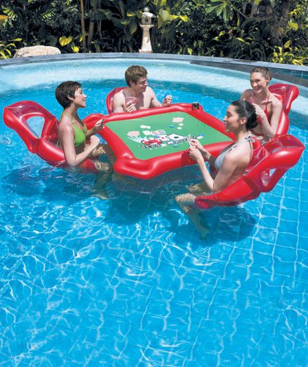 Texas Hold'em Pool Poker | The Lakeside Collection