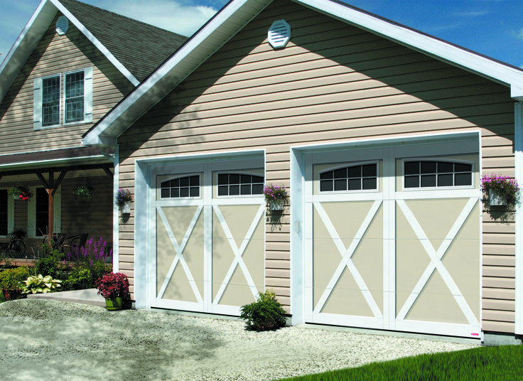 Garage Door Model E-21, 9' x 7', Desert Sand door and Ice White overlays, Panoramic 8 lite windows Get a FREE QUOTE : http://www.garaga.com/get-a-quotation/  ------------------------------------------------ Porte de garage Modèle E-21, 9' x 7', porte Sable et moulures Blanc glacier, fenêtres Panoramique 8 carreaux. Obtenez une SOUMISSION GRATUITE : http://www.garaga.com/ca/fr/obtenir-une-soumission/ #garagedoor #portedegarage #champêtre #country #farmhouse #campagne