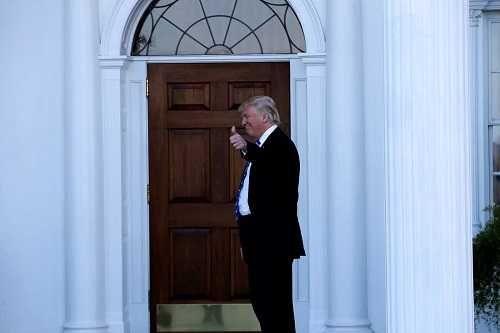 Trump advierte de que nada cambiará con campaña para un recuento de votos