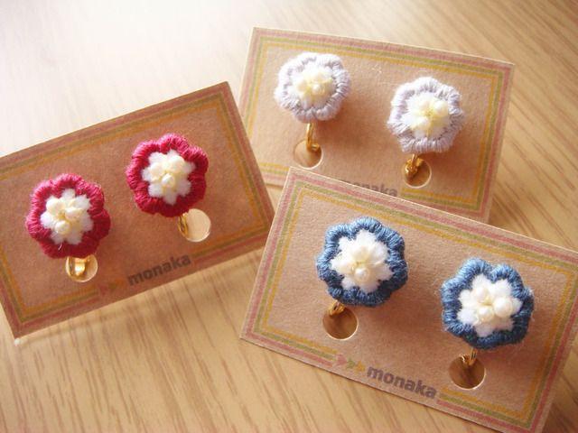 Embroidered earrings by Monaka / minne(ミンネ)   パールのお花刺繍イヤリング