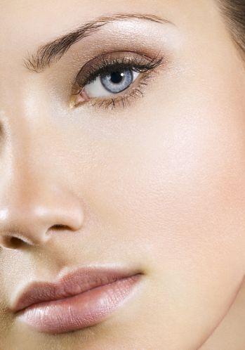 Braucht Ihr Hilfe bei Eurem Brautstyling? Wir helfen Euch gerne bei dem perfekten Haar & Make up Styling weiter.                                 Inspiration Brautmakeup www.studiowedding.de