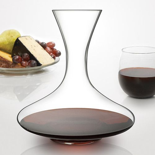 The Classic Wine Decanter is traditional wine decanter featuring a wide base that greatly increases surface area, and reduces decanting time while helping to eliminate sediment from the wine. The beau