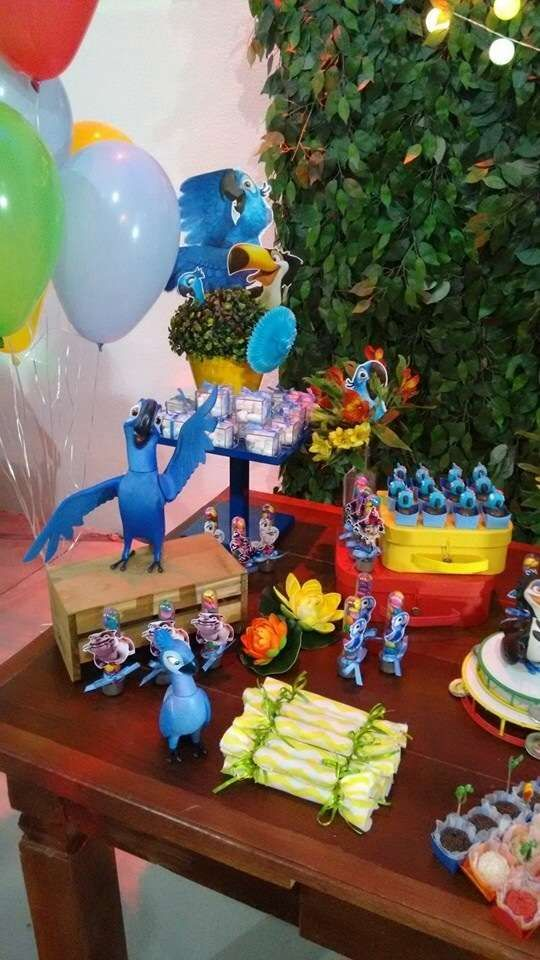Carnivale / Rio Birthday Party Ideas | Photo 1 of 27