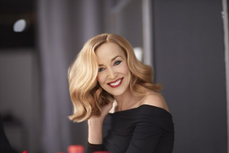 IT LOOKS A/W 2014 - last trends by L'Oréal Professionnel and Seb Bascle - IT woman Jerry Hall presents blond lob #itlooks #itgirl #trend #aw2014 #lob #blond #lorealprofessionnel