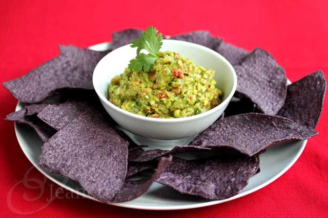 Perfect for Football Snack: Guacamole Salsa #snacks #appetizers