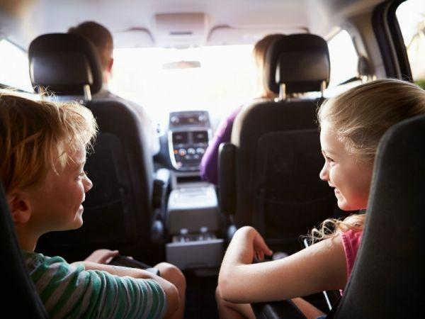 La nuova normativa per i seggiolini in auto